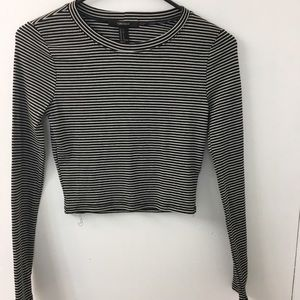 Black and white stripped long sleeve crop top